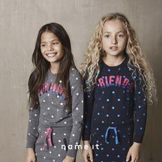 Christmas Sweaters, Graphic Sweatshirt, Sweatshirts, Fashion, Moda, Hoodies, Christmas Jumpers, Trainers, Fasion