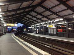 """38º With the """"Hochbahn"""" back to the hotel. We are really tired. Tomorrow more... //  Volvemos al hotel en el tranvía. Estamos realmente cansados. Mañana más ... Basketball Court, Hamburg, Germany"""