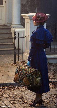 The first picture from the £150 million new movie ¿ called Mary Poppins Returns ¿ suggests that British actress Emily Blunt is made for the role