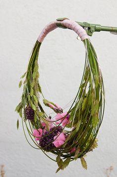 Round Bridal Bouquet...ADD diy ♥❤ www.customweddingprintables.com #customweddingprintables