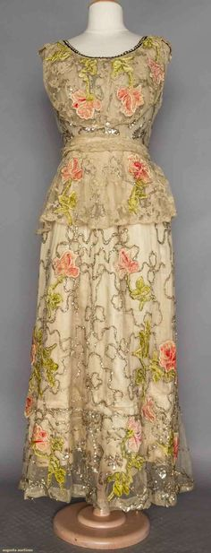 d44f4342f91e ca 1906 Callot Soeurs Belle Époque dress; white tulle, originally had  sleeves, embroidered velvet roses applied on silver sequined garlands.