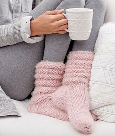 These slouchy socks are so cozy and perfect to slip on for lounging around the house all day! #socks #slouchysocks #cozy #loungingsocks #cozysocks #comfortable #knitting #knittingsocks