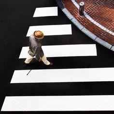 Beautiful Color Contrasts in Tokyo – Fubiz Media