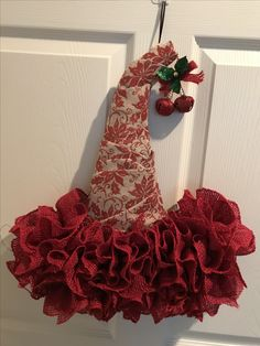 Red burlap red bow with red bells. More wreaths at MicamousesDecor on Etsy. Made by Mica Santa Wreath, Diy Wreath, Burlap Wreath, Wreath Making, Wreath Ideas, Christmas Door Decorations, Deco Mesh Wreaths, Holiday Wreaths, Christmas Arts And Crafts
