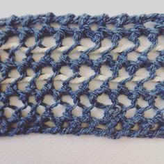 #woven #wallhanging #weaving #walldecor #textiles #fiberart #handcrafted #tapestry #telar #decor #interiordecoration #homedecor #tissus #tessuto #handgewebt #tissage #bohodecor #bohochic #macrame #deeplyrooted #livefolk