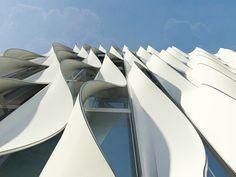 Polistudio A.e.s. Società Di Ingegneria — White wave facade