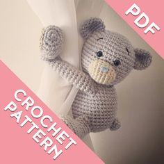 Hey, diesen tollen Etsy-Artikel fand ich bei https://www.etsy.com/de/listing/499027364/teddy-bear-curtain-tie-back-crochet