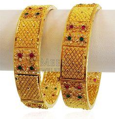 Plain Gold Bangles, Gold Bangles Design, Gold Earrings Designs, Gold Jewellery Design, Gold Rings Jewelry, Gold Choker Necklace, Filigree, Diamond Cuts, Stones