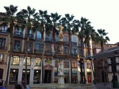 Plaza Constitucion   Malaga    piccavey.com  Shopping in Spain Read on: http://www.piccavey.com/shopping-in-spain/