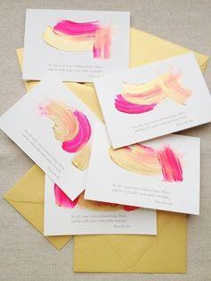 La pintura acrílica también le da un bonito toque artístico a las tarjetas: | 29 Lindas tarjetas de presentación para los que buscan algo fuera de lo común