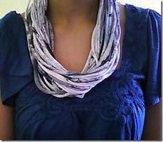 Que tal transformar aquela camisa de malha num colar de tecido bem transado? O bacana é transformar o tecido antes de começar a fazer o colar, tingindo ou manchando.