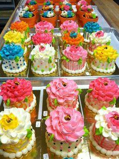 Pretty Cakes, Cute Cakes, Beautiful Cakes, Amazing Cakes, Fancy Cakes, Mini Cakes, Cupcake Cakes, White Flower Cake Shoppe, Small Cake
