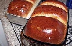 milk breads http://kirbiecravings.com/2010/11/soft-and-fluffy-milk-toast-and-how-to-keep-bread-soft.html