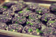 Carrot Brocante - Cool Vegan Lifestyle: Burger geheimen! Recepten: Zwarte bonen burgers en Champignon burgers