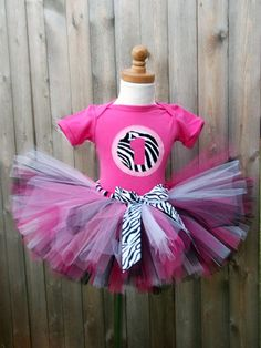 """This is exactly what I want to make B for her new born pictures, minus the """"1"""" shirt."""