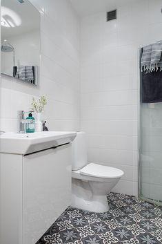 Bathroom with Marrakech tiles Laundry Room Bathroom, Bathroom Toilets, Washroom, Gray Interior, White Tiles, Scandinavian Interior, Bathroom Inspiration, Bathroom Ideas, Bathroom Organization