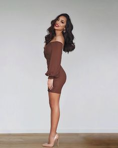 mini skirts and sexy legs Date Outfits, Classy Outfits, Fashion Outfits, Womens Fashion, Cool Outfits, The Dress, Dress Skirt, Selfies Poses, Tight Dresses