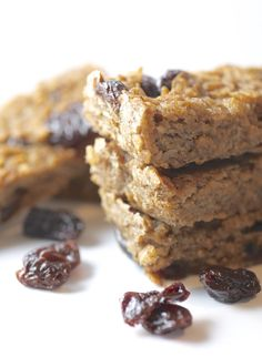 I'm sure by now you're aware of the amazing 2 ingredient banana oat cookies: Mash banana Stir in oats Bake Insta-cookies! Just another testament to the how perfect the banana is. I took this miraculous sugar-free, fat-free banana cookie concept in the bar direction… Cherry and vanilla are such a beautiful combination, I don't know …