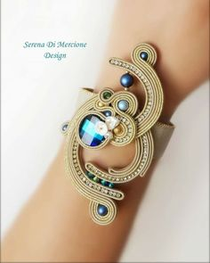 """Serena Di Mercione Jewelry on Instagram: """"Set earrings + bracelet  #serenadimercione #serenadimercionedesign #serenadimercionejewelry #jewels #jewelry #jewelryinfluencer…"""" Soutache Bracelet, Soutache Jewelry, Boho Jewelry, Shibori, Tassel Earrings, Beaded Necklace, Beaded Embroidery, Diy And Crafts, Jewels"""