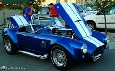 Google Image Result for http://4.bp.blogspot.com/-9oarAfGAgwY/TiKxo0ab2xI/AAAAAAAAApg/Yc2bR0MnZy8/s1600/1966%2BShelby%2BCobra%2B427-At%2BDinner.jpg
