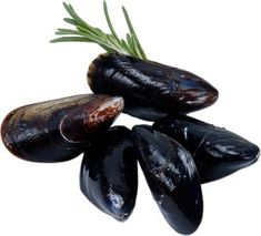 Carrabba's Mussels in White Wine Sauce -[#copycat friendly #recipe from CopyKat.com; visit the blog to see more about this recipe.]