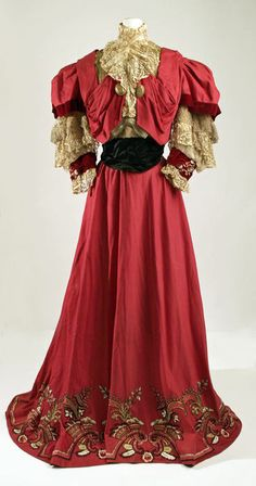 ~Paquin day dress with a beautifully embroidered hemline, 1905-1907~