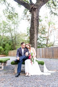 Gorgeous and artistic wedding photography by Twin Lens Weddings in Austin, TX and Milwaukee, WI #twinlensweddings #weddinginspiration #bohowedding #bohobride #uniquewedding #austinweddingphotographer