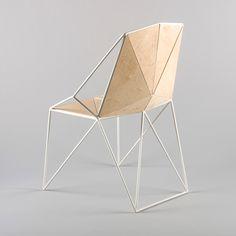 """Le Russe Maxim Soherbakov est un Street artiste et étudiant en design à Saint-Pétersbourg, il a imaginé la Chaise """"P – 11"""", une assise compo..."""