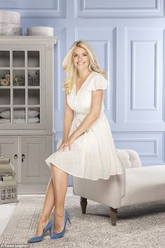 Holly Willoughby, has extended her homeware range with BHS and has now ventured into designing a range of baby clothes inspired by vintage pieces and her own childhood memories Holly Willoughby Legs, Hot High Heels, Blonde Women, Thing 1, Sexy Feet, Gorgeous Women, Beautiful Eyes, Sexy Dresses, Tight Dresses