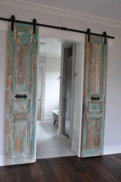 Vintage door, barn door, barn doors found by Foo Foo La .Vintage door, barn door, barn doors found by Foo Foo La La found livingroomdecorationideas scheunentor scheunentore Barn Door Designs Inside Barn Doors, Old Barn Doors, Rustic Barn Doors, Old Closet Doors, Barn Door Closet, Diy Casa, Vintage Doors, Vintage Cabinet, Vintage Door Decor