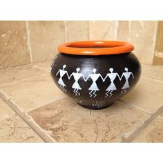 This beautiful Black and Orange Terracotta Utility Bowl will brighten your day. Use it to keep chocolates for your guests at home or use it for keeping stationery pins at your office desk. The choice is yours. Worli Painting, Bottle Painting, Ceramic Painting, Bottle Art, Watercolor Paintings, Pottery Painting Designs, Pottery Designs, Pottery Art, Kalash Decoration