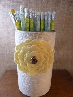 Soup can pencil holder #craft recyling-crafts  (I'm using this for work -ha ha).....