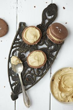 Chocolate and Salted Peanutbutter Macarons