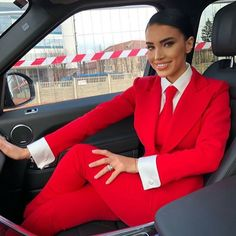 Adel, Stunning in Her Suit and Tie. Suit Fashion, Fashion Outfits, High Collar Shirts, Preppy Girl, Outfits Mujer, Androgynous Fashion, Business Dresses, Suit And Tie, Suits For Women