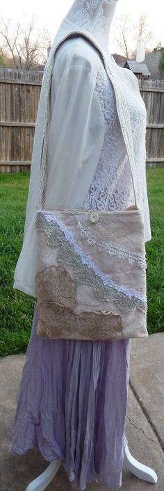 Shabby Chic Sling romantique à la main, tons sac, sac de Boh, embelli de sac, crocheté napperons dentelle Bag, sac bandoulière, sac