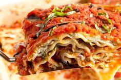 Vegan Lasagna 19 Creamy And Delicious Vegan Pasta Recipes Vegan Foods, Vegan Dishes, Vegan Vegetarian, Vegetarian Recipes, Healthy Recipes, Yummy Recipes, Healthy Food, Vegan Lasagna Recipe, Lasagne Recipes