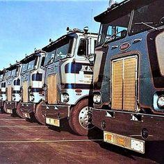 Peterbilt 379, Peterbilt Trucks, Cool Trucks, Big Trucks, All Truck, Truck Repair, Big Wheel, Diesel Trucks, Vintage Trucks