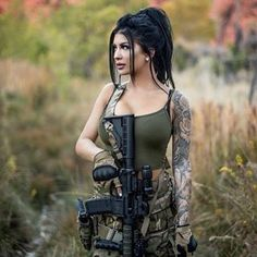 70 ideas for tattoo frauen oberschenkel waffe Mädchen In Uniform, Military Girl, Female Soldier, Army Soldier, Warrior Girl, Military Women, Weapons Guns, Military Weapons, Airsoft