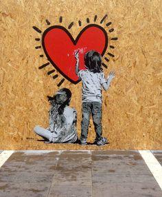 Banksy, Urbane Kunst, Wallpaper Iphone Love, Graffiti Wallpaper, Best Street Art, Cool Art, Art Photography, Ankle Bracelets, Anime