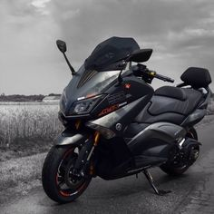 T-Max 530 Iron Max #scooter #scooter #yamaha Tmax Yamaha, Yamaha Nmax, Yamaha Scooter, Scooter Motorcycle, Yamaha Motorcycles, Moto Bike, Scooter Scooter, Fast Scooters, Motor Scooters