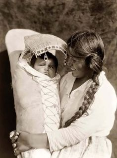 Achomawi Mother and Child   Edward Curtis