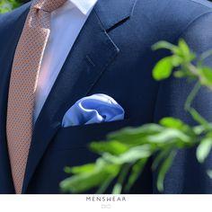 Ny leveranse fra Italia med masse pene sommerslips  #menswear_no #menswear #dress #oslo #tjuvholmen #lysaker #bogstadveien #hegdehaugsveien #viero #vieromilano #suit #suitup #slips #viero  Photo: @katyadonic