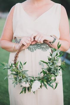 Heading Down an Aisle Near You: Hoop Bouquets  #purewow #trends #flowers #wedding