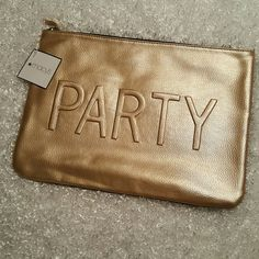 Accessorie & Makeup Bag ?? Brand new! Inside is clean and has never been used. No marks or scratches, perfect condition:) Bags Cosmetic Bags & Cases