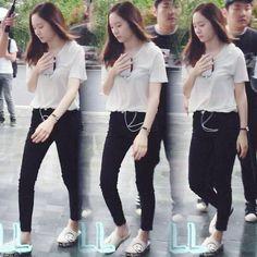 "~ [160530] #Krystal ""Graduation Season"" filming  ~ Its raining today☔ ©…"