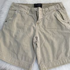 Sanctuary khaki shorts 26 Gently worn. Soft cotton. Very comfortable! Sanctuary Shorts