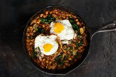 Spinach with Chickpeas and Sunny Side-Up Eggs | 34 Clean Eating Recipes That Are Perfect For Spring