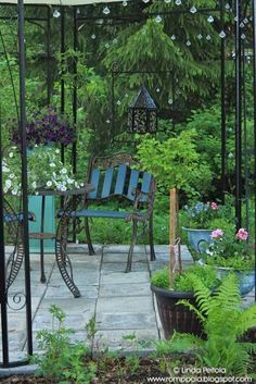 iron gazebo, garden romppala.blogspot.com