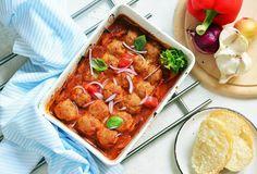 Húsgombócok bolognai szószban sütve recept. Válogass a többi fantasztikus recept közül az Okoskonyha online szakácskönyvében!