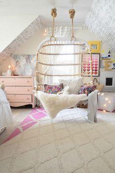 Gorgeous 48 Cute Bedding For Girls' Bedrooms Decor Ideas https://modernhousemagz.com/48-cute-bedding-for-girls-bedrooms-decor-ideas/ #cuteteengirlbedroomideas #BeddingIdeasForTeenGirls